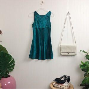 Vintage : Green Mini Dress >> Size XS-S